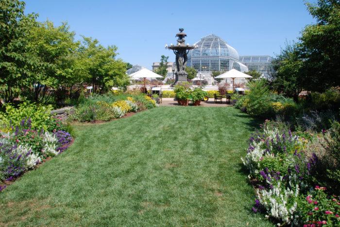 Washington DC\'s Botanic Garden Is The Oldest Public Garden in America