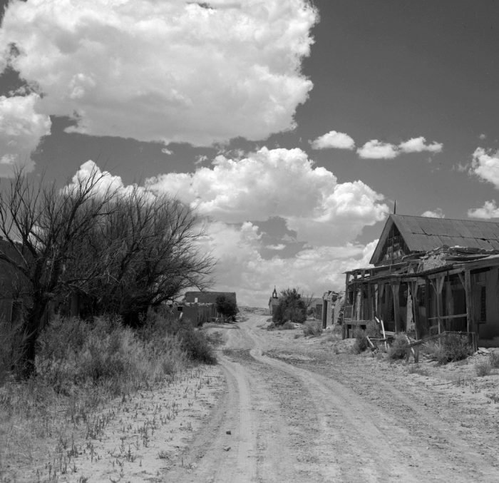 Old Town Santa Fe >> These 12 Well Preserved Ghost Towns In New Mexico Are Frozen In Time