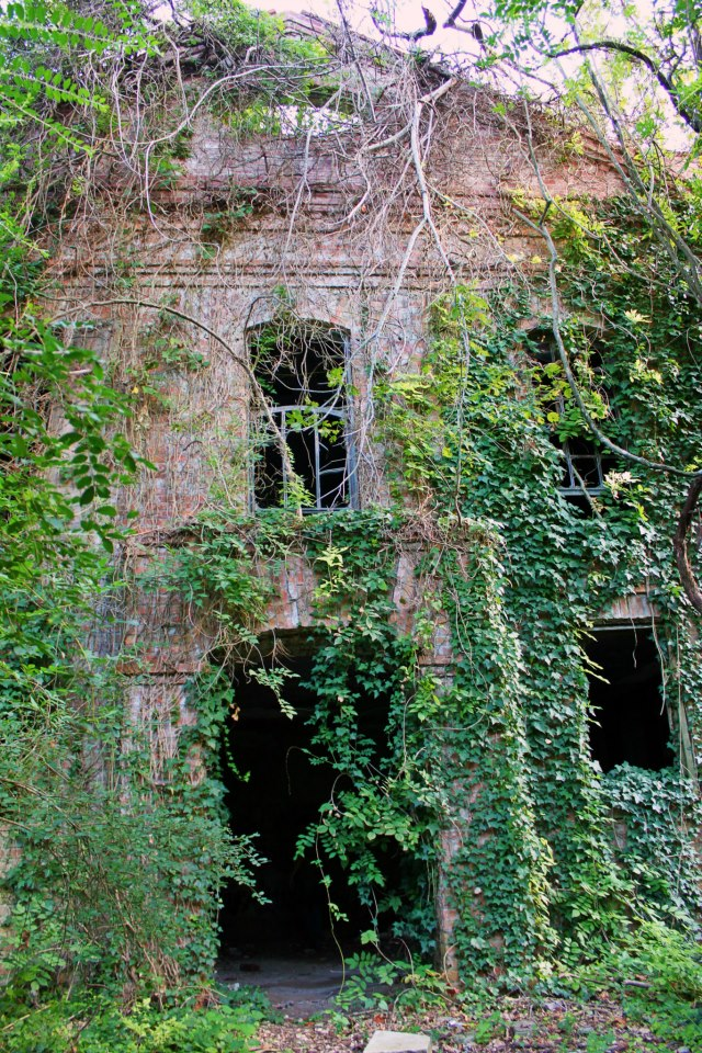 We Checked Out The 10 Most Terrifying Places In Louisiana