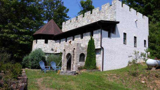 Take A Road Trip To All 8 Of North Carolina S Castles In