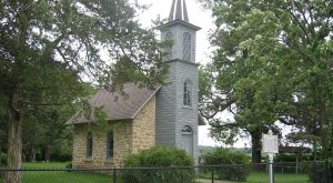 Most People Don't Know Iowa Is Home To The Smallest Chapel In The World