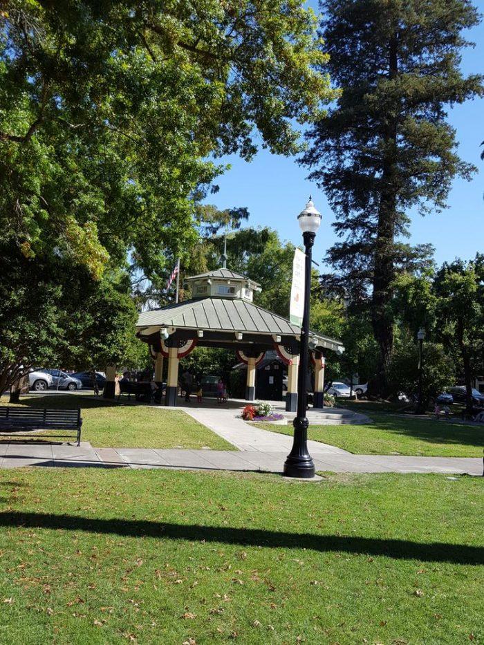 11 Friendly Small Towns Near San Francisco