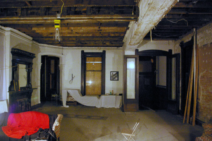The Story Behind Franklin Castle In Cleveland Is Terrifying