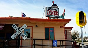 The Train-Themed Restaurant In Wyoming That Will Make You Feel Like A Kid Again