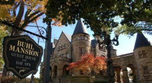 Spend The Night In Pennsylvania's Most Majestic Castle For An Unforgettable Experience