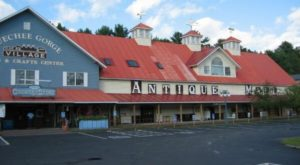 You'll Never Want To Leave This Massive Antique Mall In Vermont