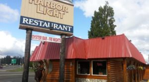 The Charming Little Restaurant On The Oregon Coast That's Totally Unique