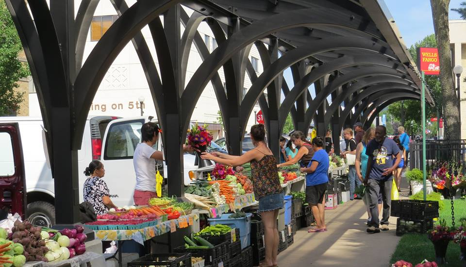 17 of the best farmers markets in wisconsin - Market place at garden state park ...