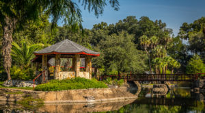There's A Tiny Town In Florida Completely Surrounded By Breathtaking Natural Beauty