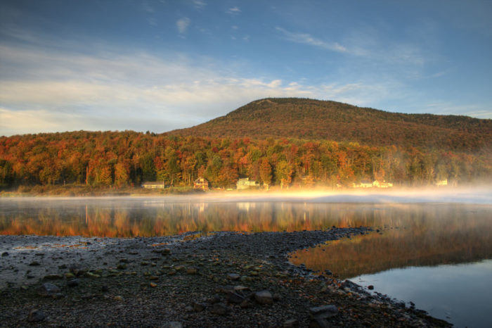Lake Elmore Vt >> There's A Tiny Town In Vermont Completely Surrounded By ...