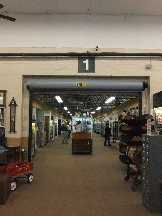 The Best Antique Store In Ohio Heart Of Ohio Antique Center