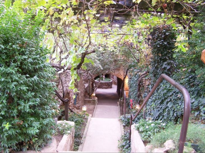 The Underground Garden In Southern California That 39 S Straight Out Of A Fairytale
