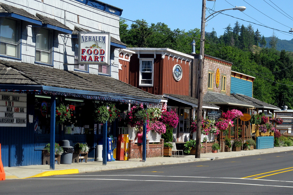 10 charming tiny small towns in oregon