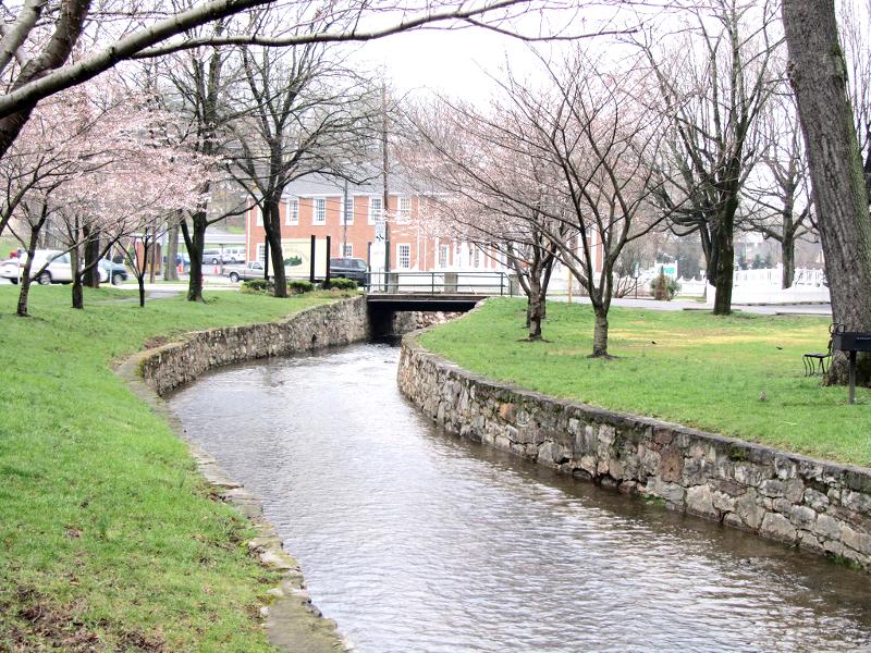 Berkeley Springs In West Virginia Is An Enchanting Small Town