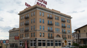The Story Behind Nevada's Most Haunted Hotel Is Truly Terrifying