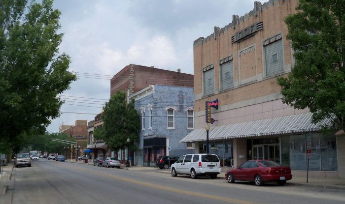 9 Small Towns In Illinois With The Greatest Downtown Areas