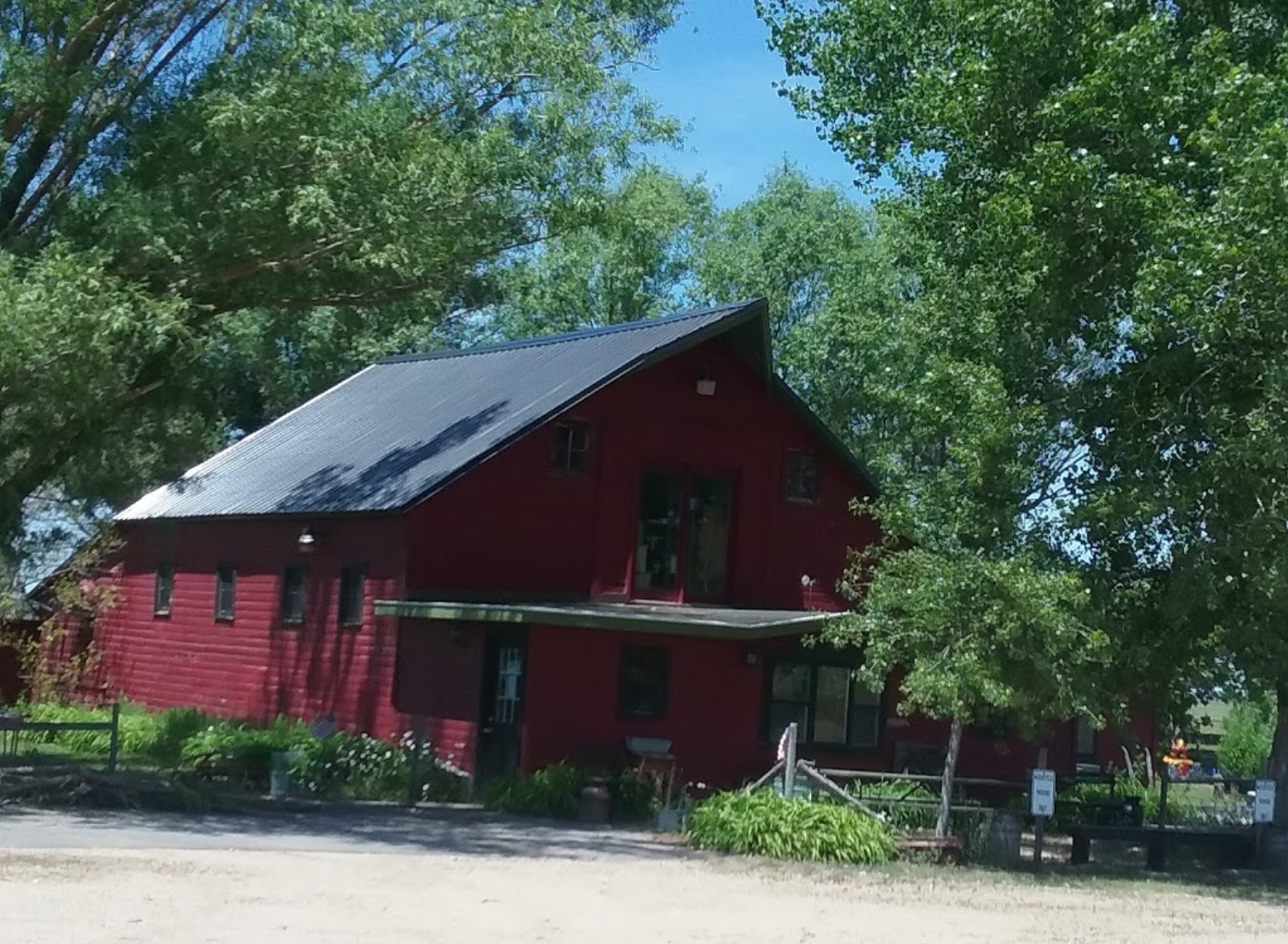 Green Gables Of Pleasant Valley Is A Nebraska Restaurant