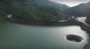 A Gaping Hole Is Draining This Northern California Lake And It's Mesmerizing