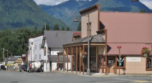 Blink And You'll Miss These 11 Teeny Tiny Towns In Washington
