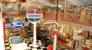 The Massive Antique Mall In Iowa That's Every Vintage Lover's Dream
