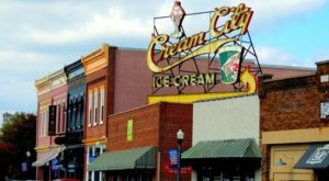 The Tiny Shop In Tennessee That Serves Homemade Ice Cream To Die For
