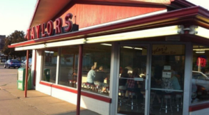 These 7 Longest-Standing Restaurants In Iowa Have Served Mouthwatering Meals For Decades
