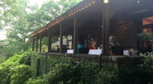 The Secluded Restaurant In North Carolina With The Most Magical Surroundings
