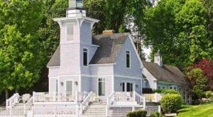 You'll Fall In Love With This Unbelievably Charming Lighthouse In Michigan