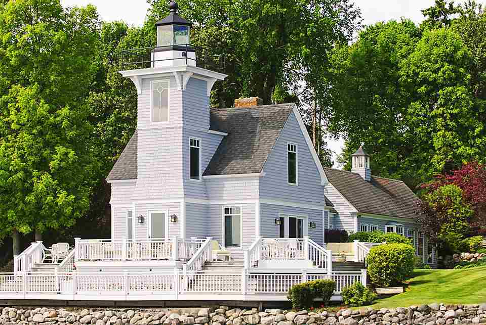 Round Island Lighthouse In Michigan Is Unbelievably Charming
