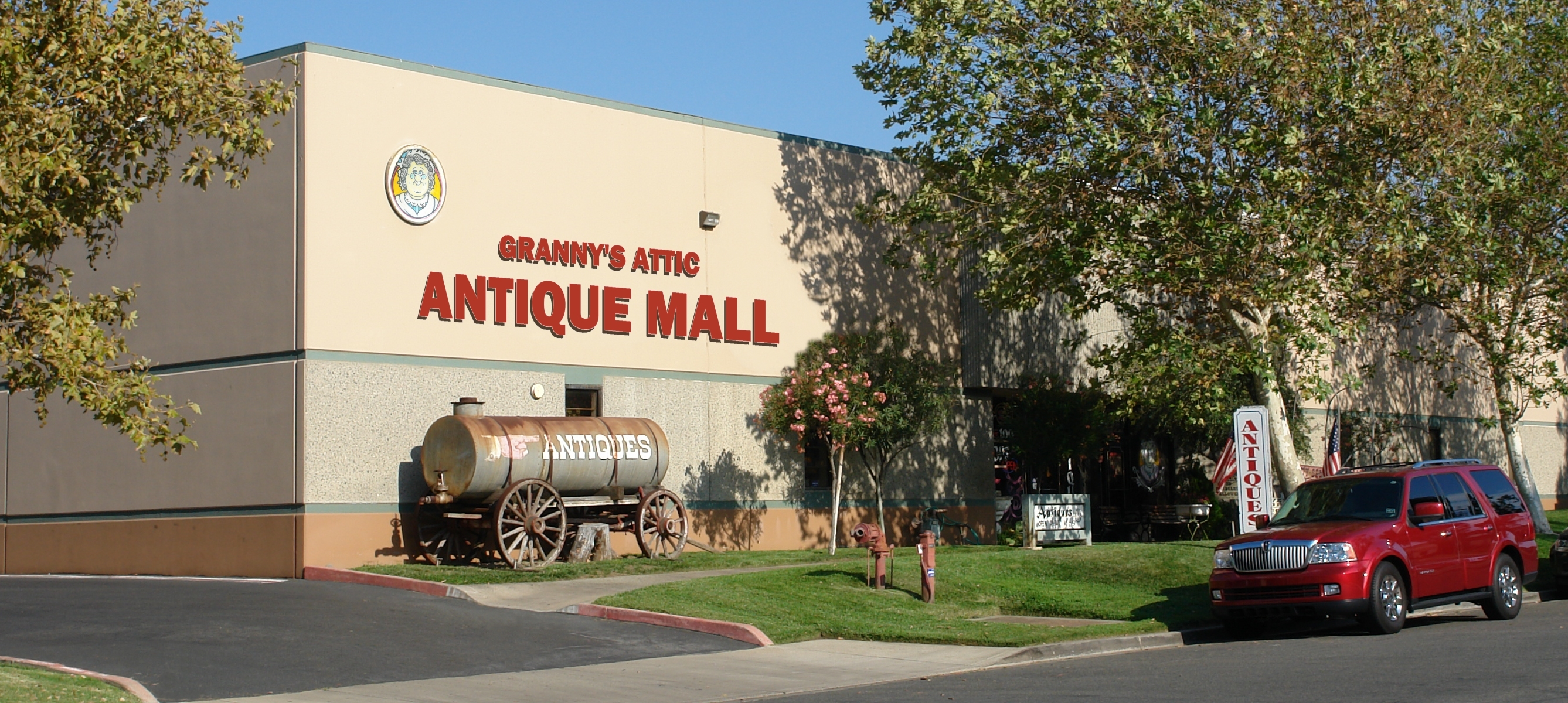 Granny S Attic Antique Mall In Southern California Is An