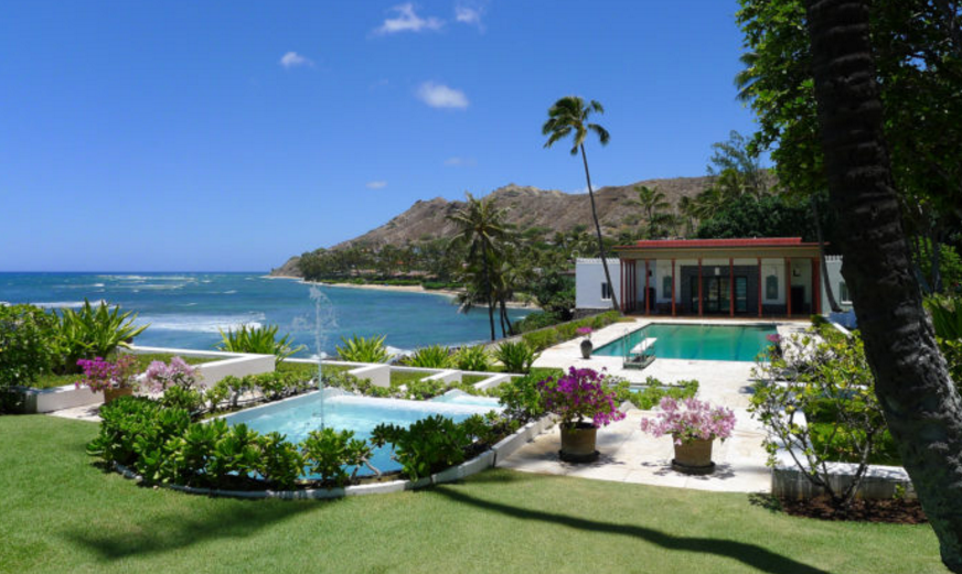 12 unique and historic homes in hawaii for Hawaii home building packages