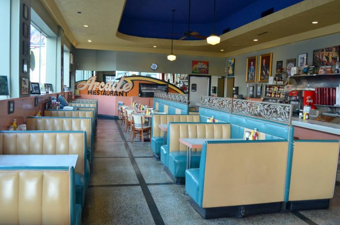 10 Of The Oldest Most Historic Restaurants In Tennessee