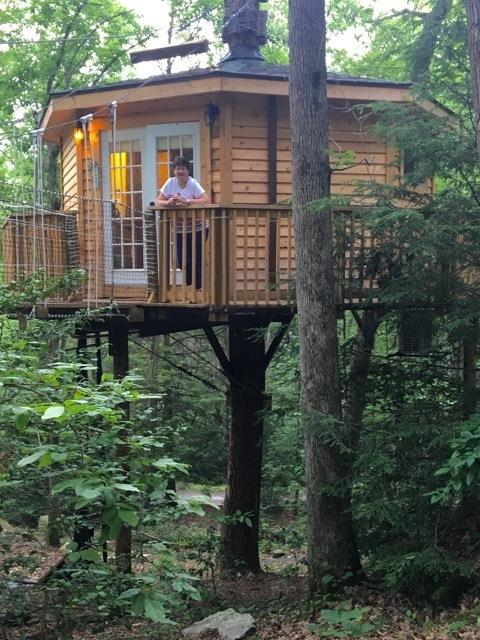 Treehouse Rentals Indiana Part - 45: The Cabin Sits High Above The Forest Floor.