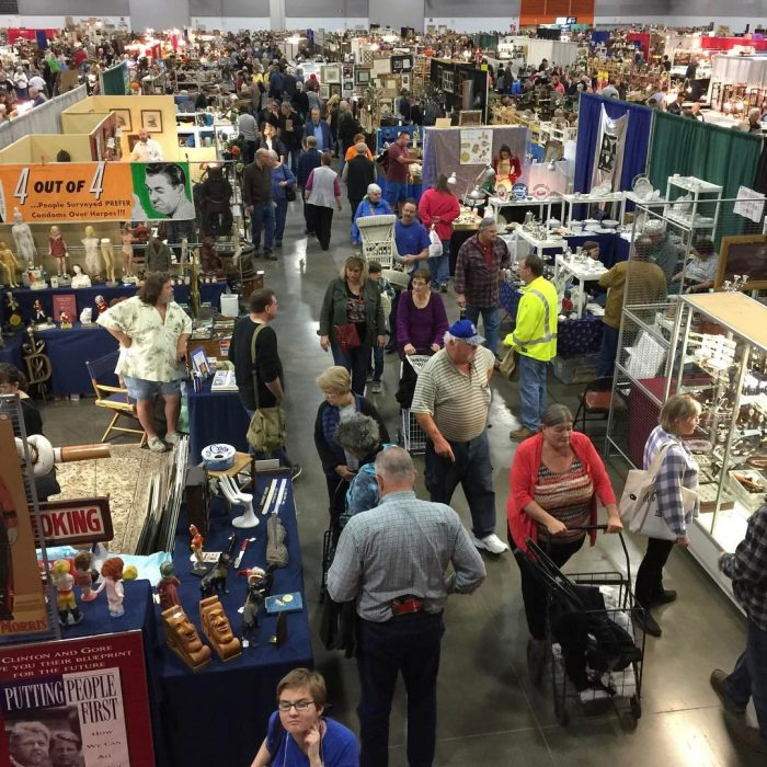 10 Amazing Flea Markets In Oregon You Absolutely Have To