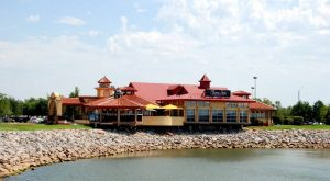 You'll Never Want To Leave This Enchanting Waterfront Restaurant In Oklahoma