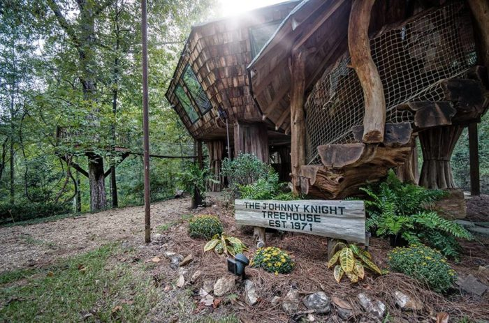 This Enchanting Tree House In Mississippi Is Like
