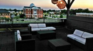 You'll Love This Rooftop Restaurant In Mississippi That's Beyond Gorgeous
