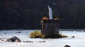 Most People Don't Know There's A Little Statue of Liberty In Pennsylvania