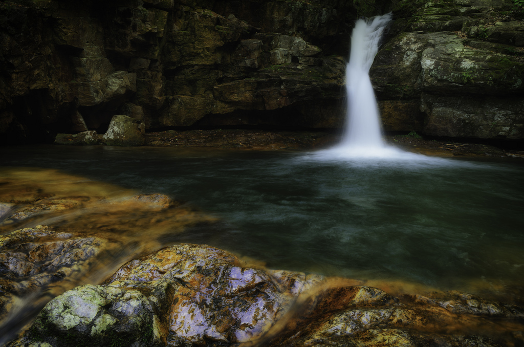 Blue Hole Falls In Tennessee Is Devastatingly Gorgeous