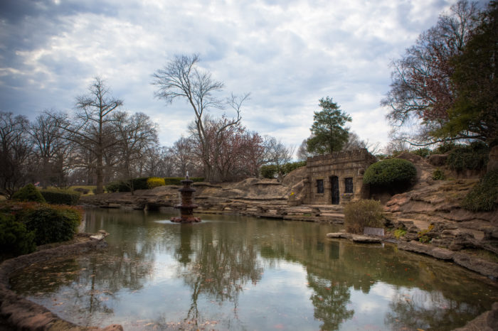 http://www.onlyinyourstate.com/tennessee/tn-grotto-memphis/