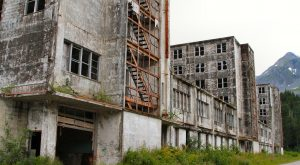 15 Staggering Photos Of An Abandoned Military Barracks Hiding In Alaska