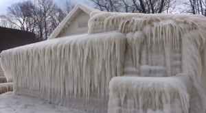 There's A House In Upstate New York Completely Covered In Ice And It's Actually Amazing