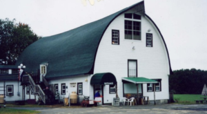 10 Amazing Flea Markets In Rhode Island You Absolutely Have To Visit