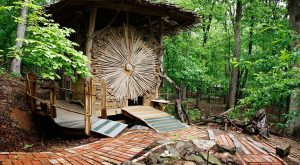 There's A Little-Known Retreat In The Middle Of An Arkansas Forest And It Will Enchant You