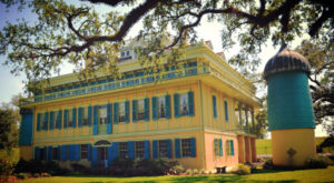 The Louisiana Plantation House That Doesn't Look Like Anything You've Ever Seen Before