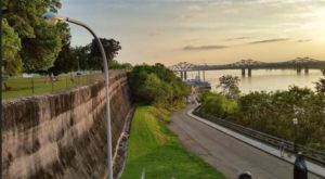 The Riverside Trail In Mississippi With Breahtaking Views You'll Want To Explore