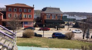 The Most Charming Iowa River Town That Belongs On Your Bucket List