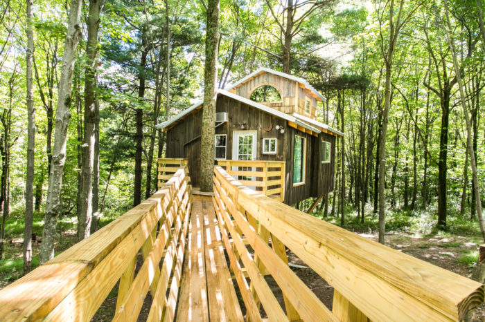 Treehouse Lodging In Ohio The Mohicans And Moonlight