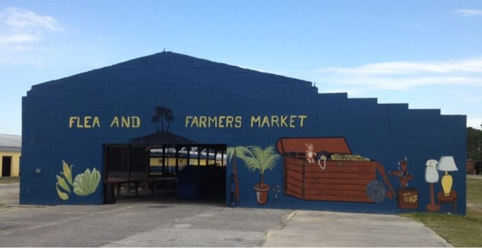 10 Amazing Florida Flea Markets Youll Want To Explore : o 93 700x361 from www.onlyinyourstate.com size 700 x 361 jpeg 28kB