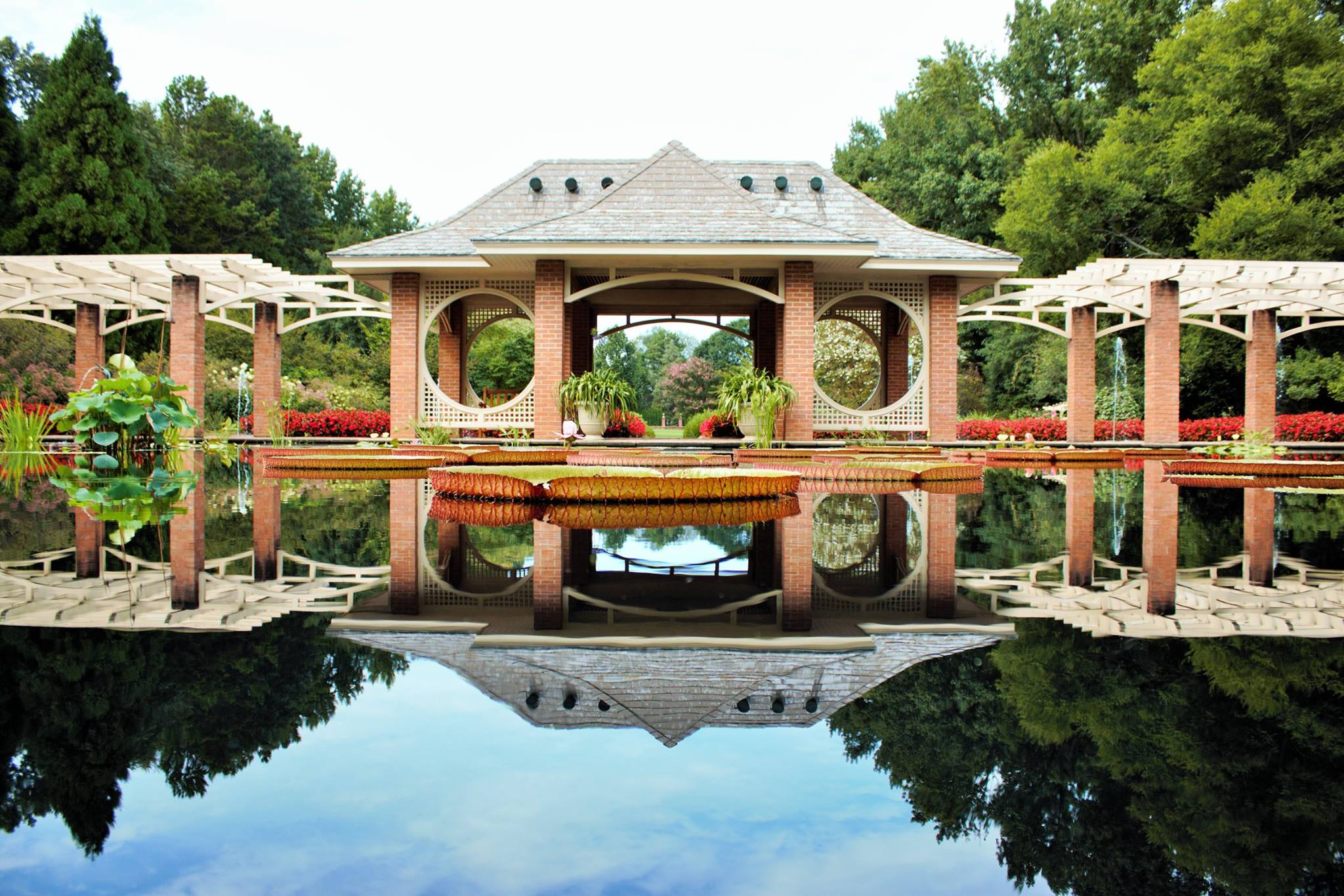 huntsville botanical garden is a beautiful natural oasis in alabama